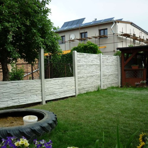 Fotografie ze stavby plotů 08